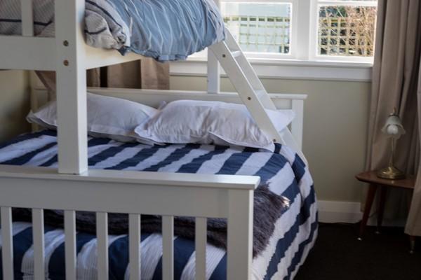 sunny-bunk-room-sea-view