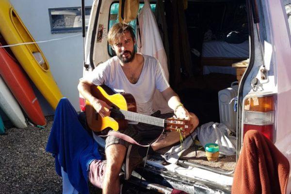 Frank-van-guitar-768x1024